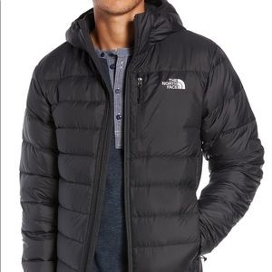 The North Face Black Hooded Puffer Jacket SzS/P